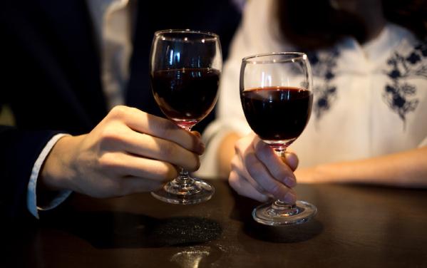 女性とのデート当日、まずは食事から楽しみましょう