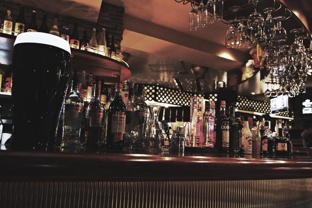 神戸でのパパ活デートには、おしゃれなバーがおすすめである理由とは。今回は10店のおすすめバーをご紹介。
